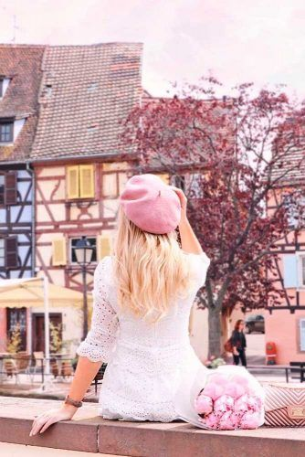 Styling Tips To Wear Your Hair Under A Beret #pinkberet
