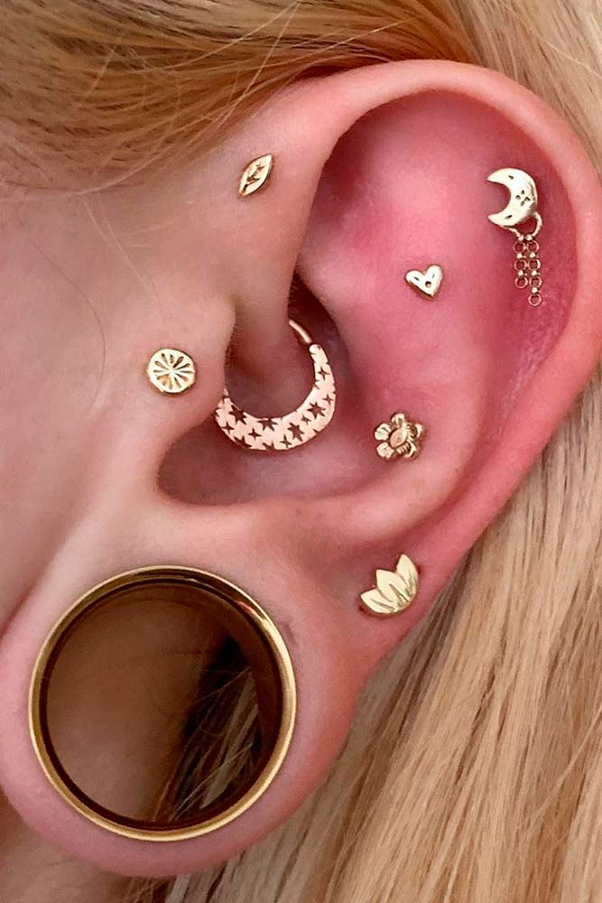 Tragus And Tunnels Piercing #piercing #beauty