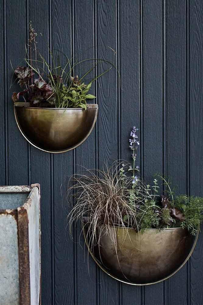 Striking Brass Wall Planters #metallicplanters