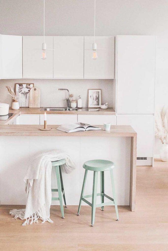 Modern Kitchen Design In White And Pastel Hues #whitekitchen #stools