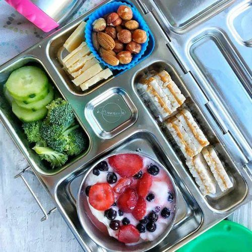 Energy Lunch Box #nuts #berries