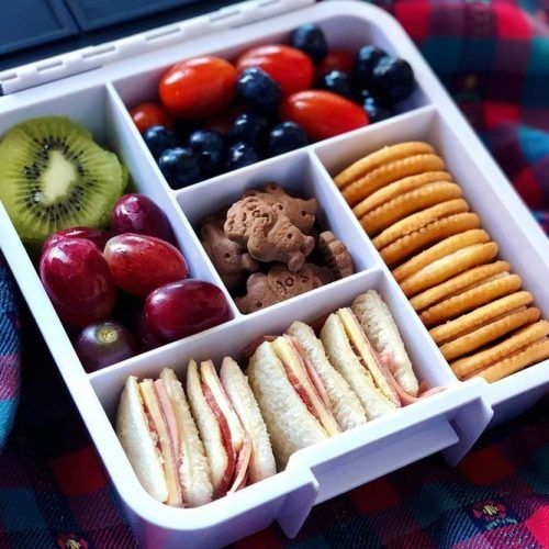 Lunch Box With Sangers #cookies #berries