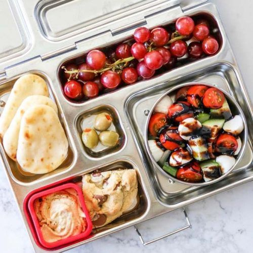 Greek Lunch Box #grapes #olives