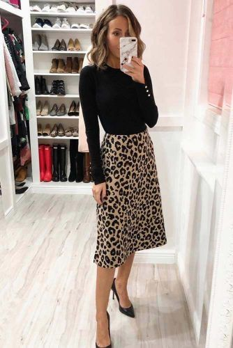 Print Skirt With Black Top Outfit #leopardskirt