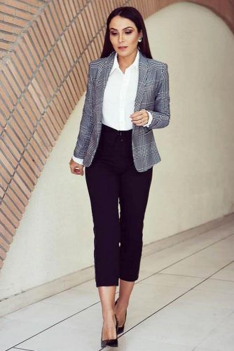 Cropped Pants With Plaid Jacket Business Attire #plaidjacket #croppedpants
