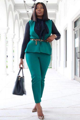 Emerald Suit With Blouse Business Attire #suit #blackblouse