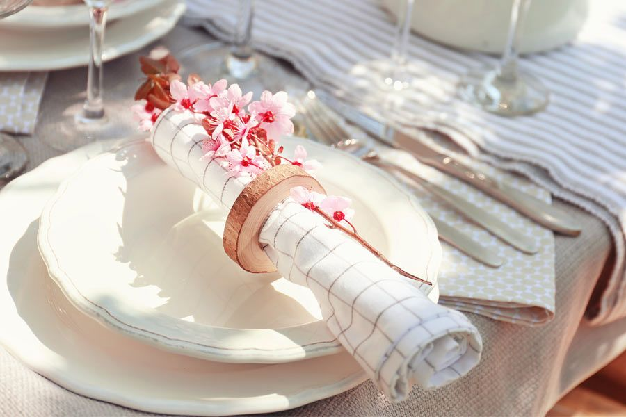 Fantastic Looking Napkin Rings To Fit In Any Holiday Table