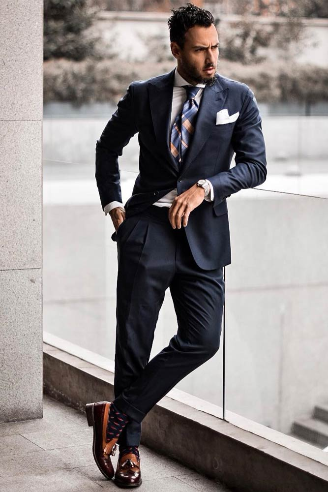 Deep Blue Power Suit With Plaid Tie #suit #plaidtie