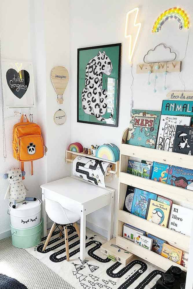 Small Kids Desk Design With Book Shelves Set #booksshelves #smalldesk