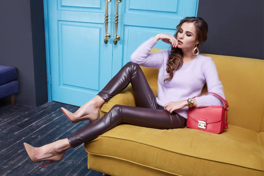 Embrace The Ultra-Stylish Power Of Modern Leather Pants Looks