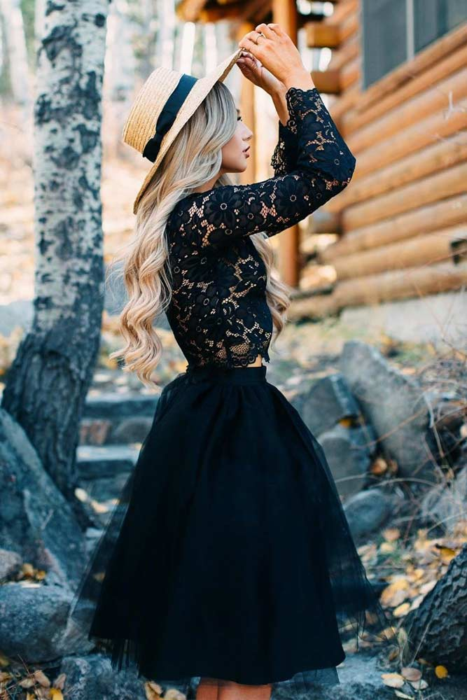Black Tulle Skirt With Lace Top Outfit #blacklacetop