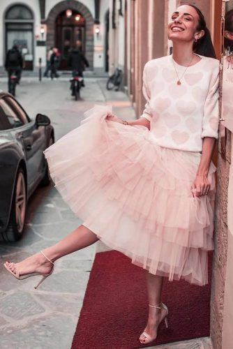 What Do You Wear With A Tulle Skirt #printedsweater #layeredskirt