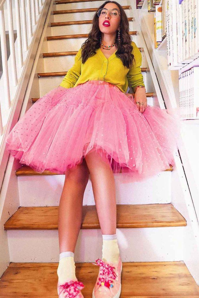 Bright Outfits for Doll-look