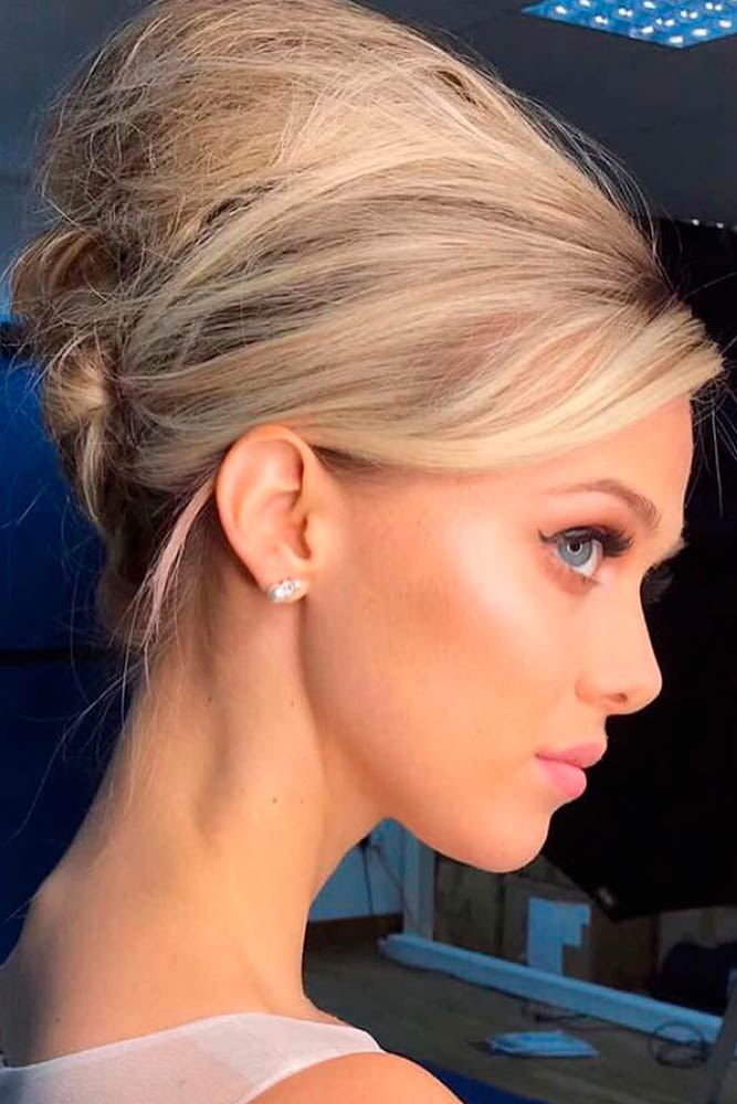 How Do You Make A Beehive In Your Hair? #blond #easyhairstyles