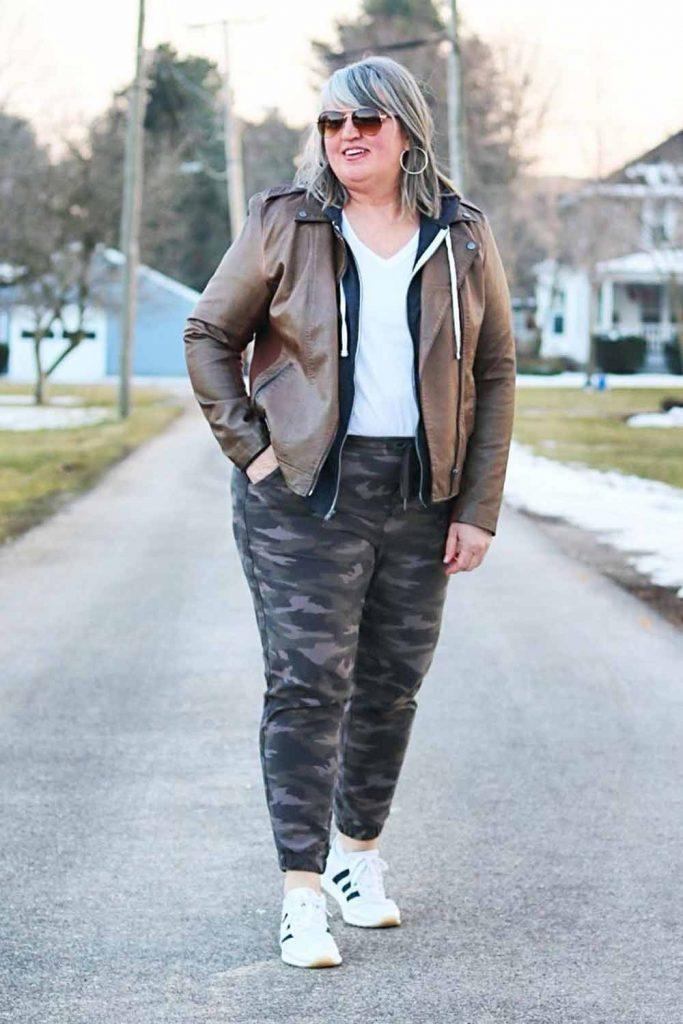 Plus Size Pants Outfit #leatherjacket