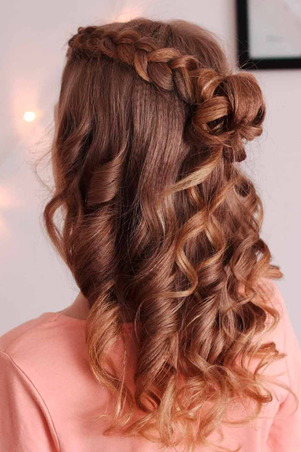 Curly Half-Up For Evening Out #formalhairstyles #curlyhairstyles