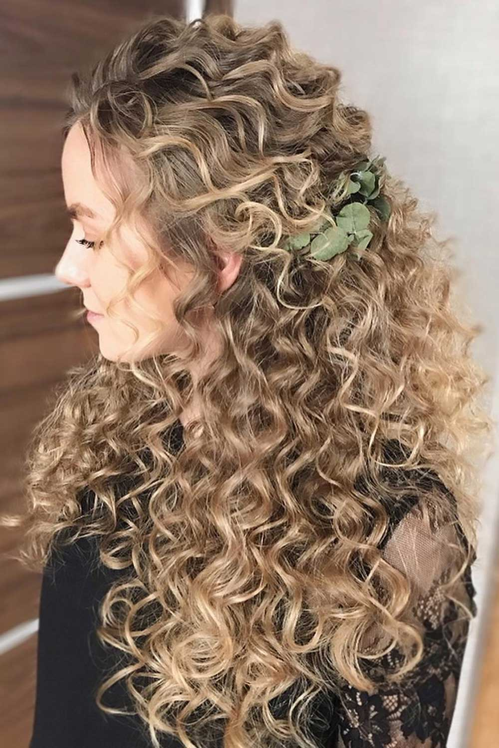 Sexy Hairstyles To Make Your Curls Your Dignity