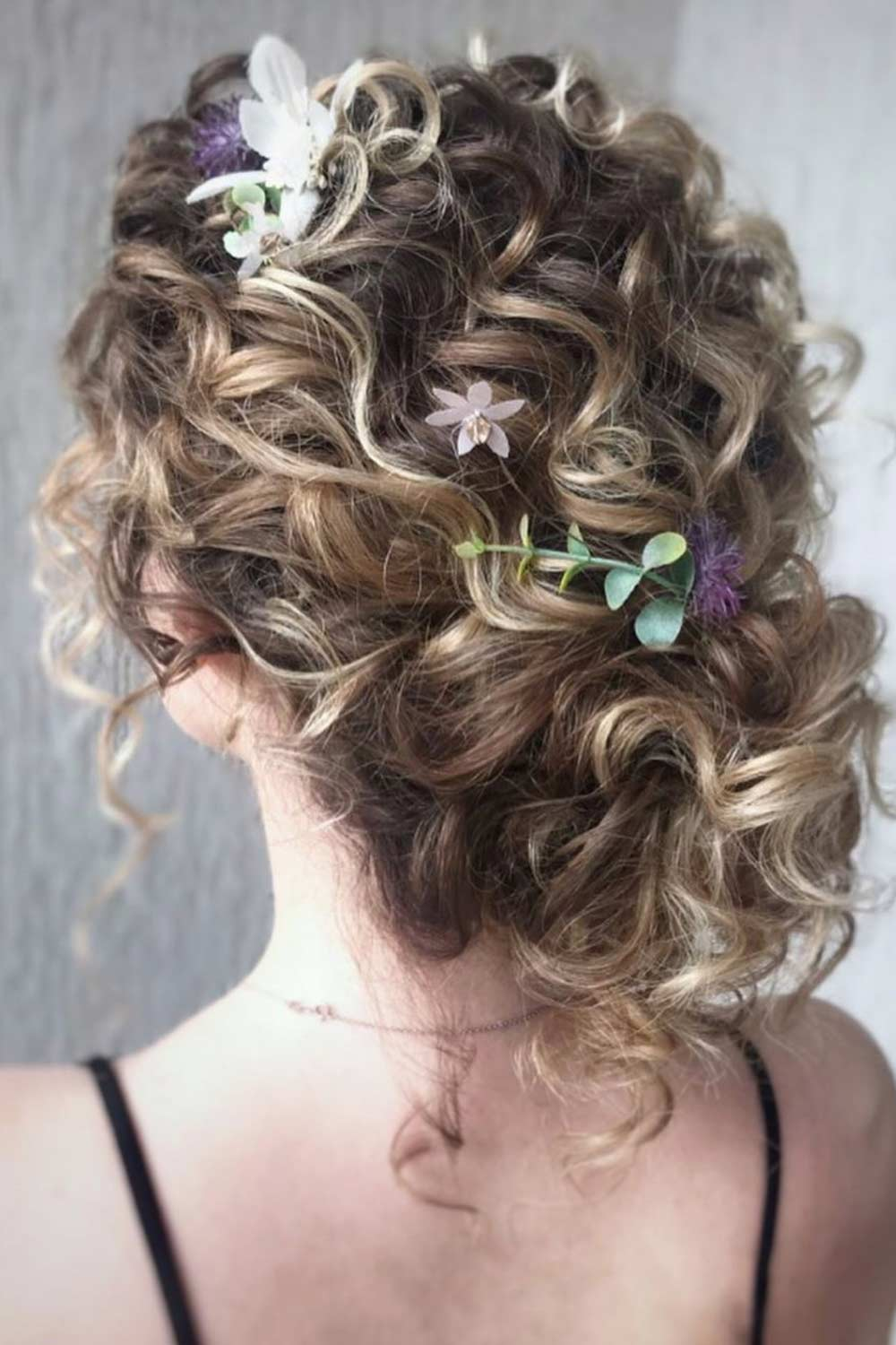 Lovely Curly Hairstyles For Special Occasion