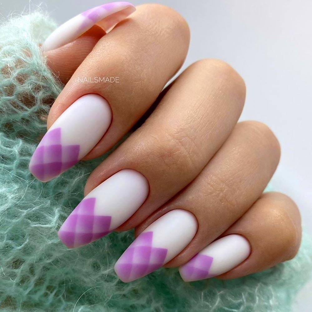 Stylish Nail with Geometric Pattern