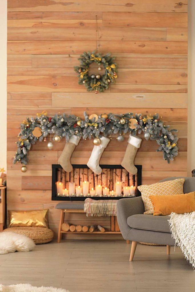 Fireplace Christmas Decoration Idea