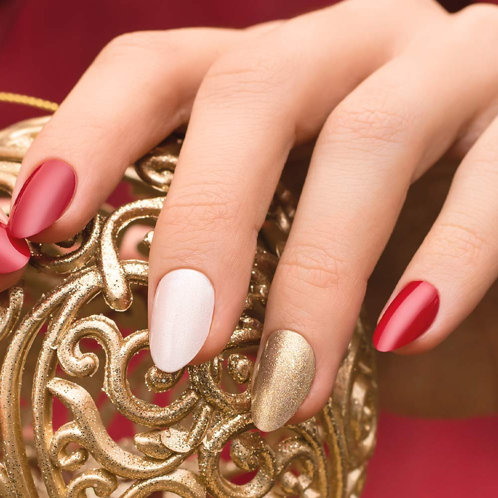 Red, White, Gold Easy Nails Design for Christmas
