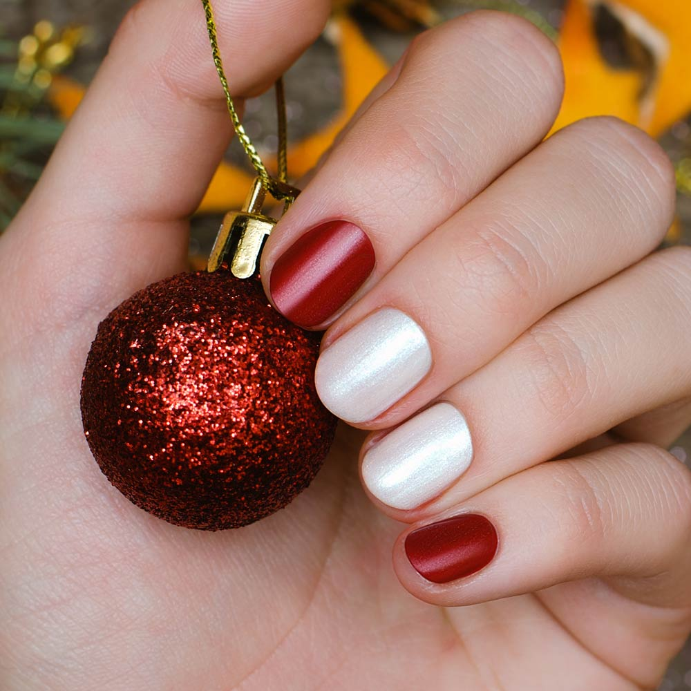 Easy Christmas Colored Nails