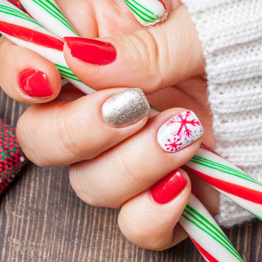 Christmas Nails with Snowflake