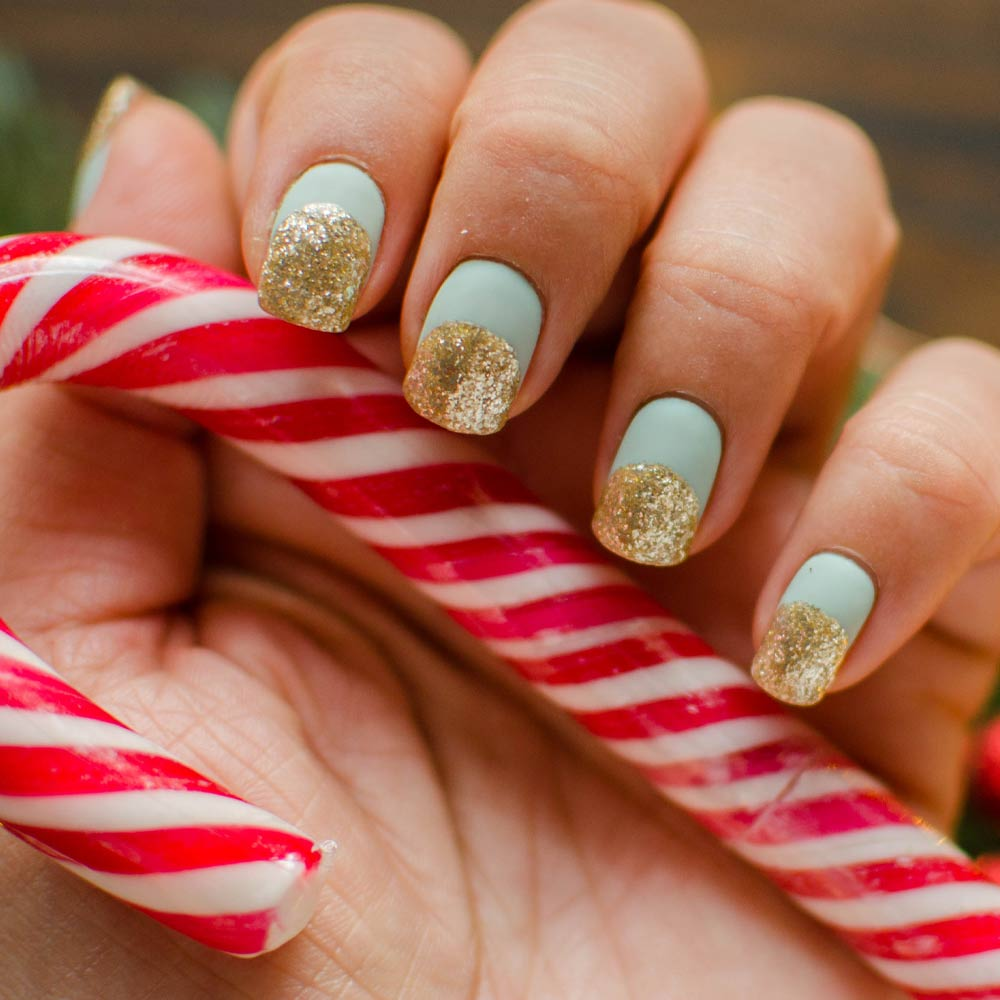 Easy Christmas Nails Idea
