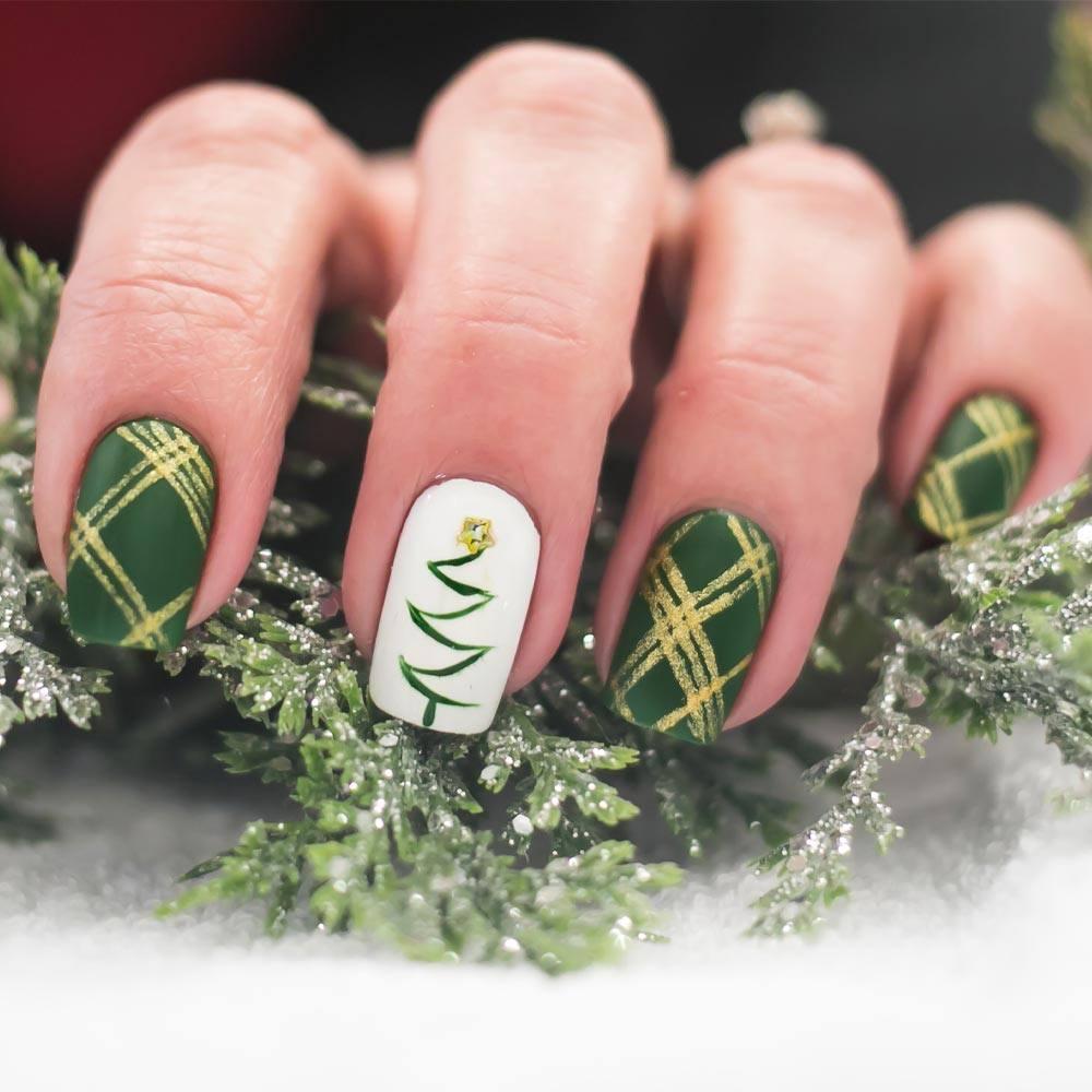 Christmas Nails with Christmas Tree