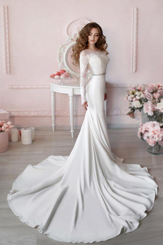 How To Wear Long Sleeve Wedding Dress?