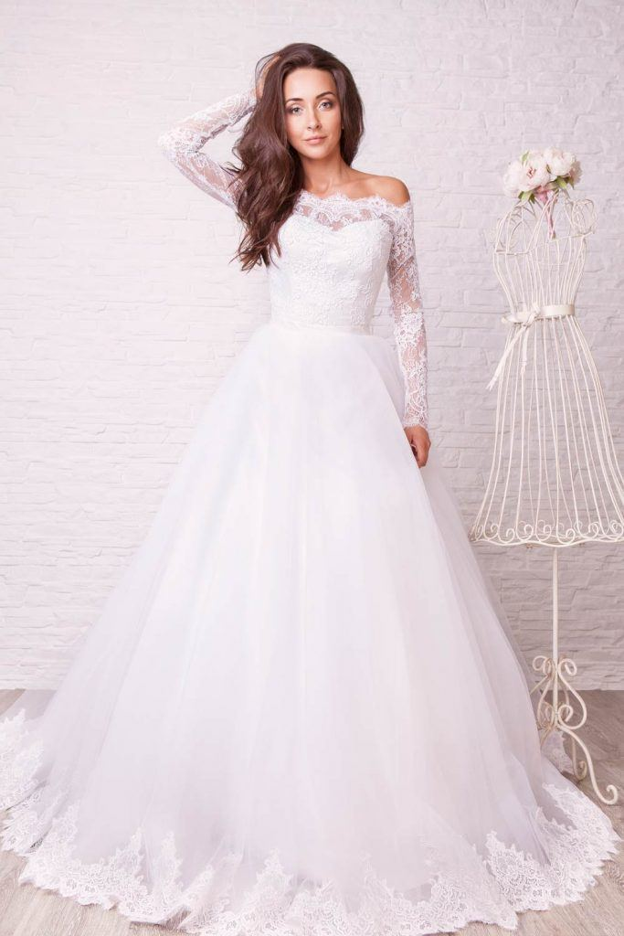 Fluffy Skirt No Shoulder Wedding Dress
