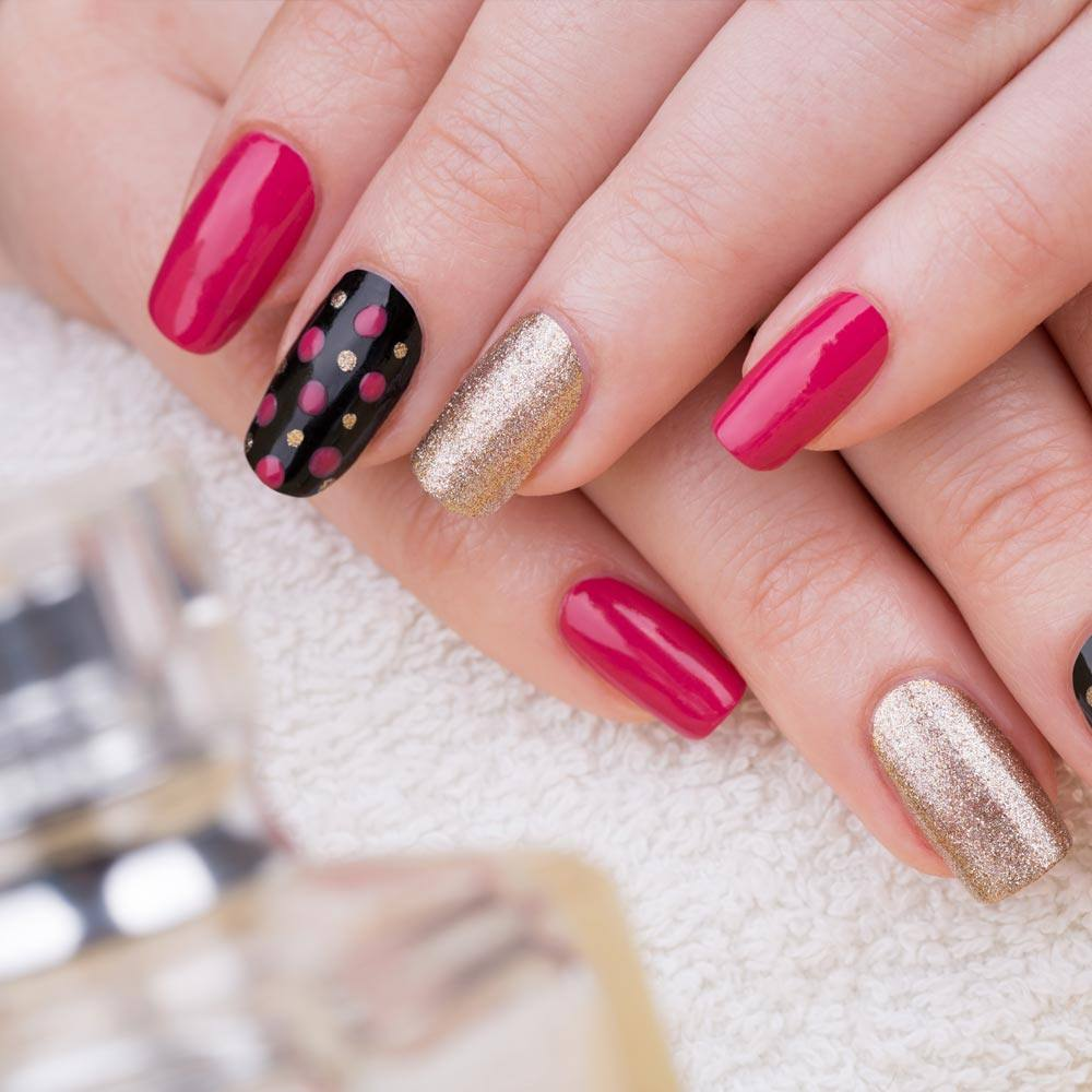 Acrylic Nails Bright Design