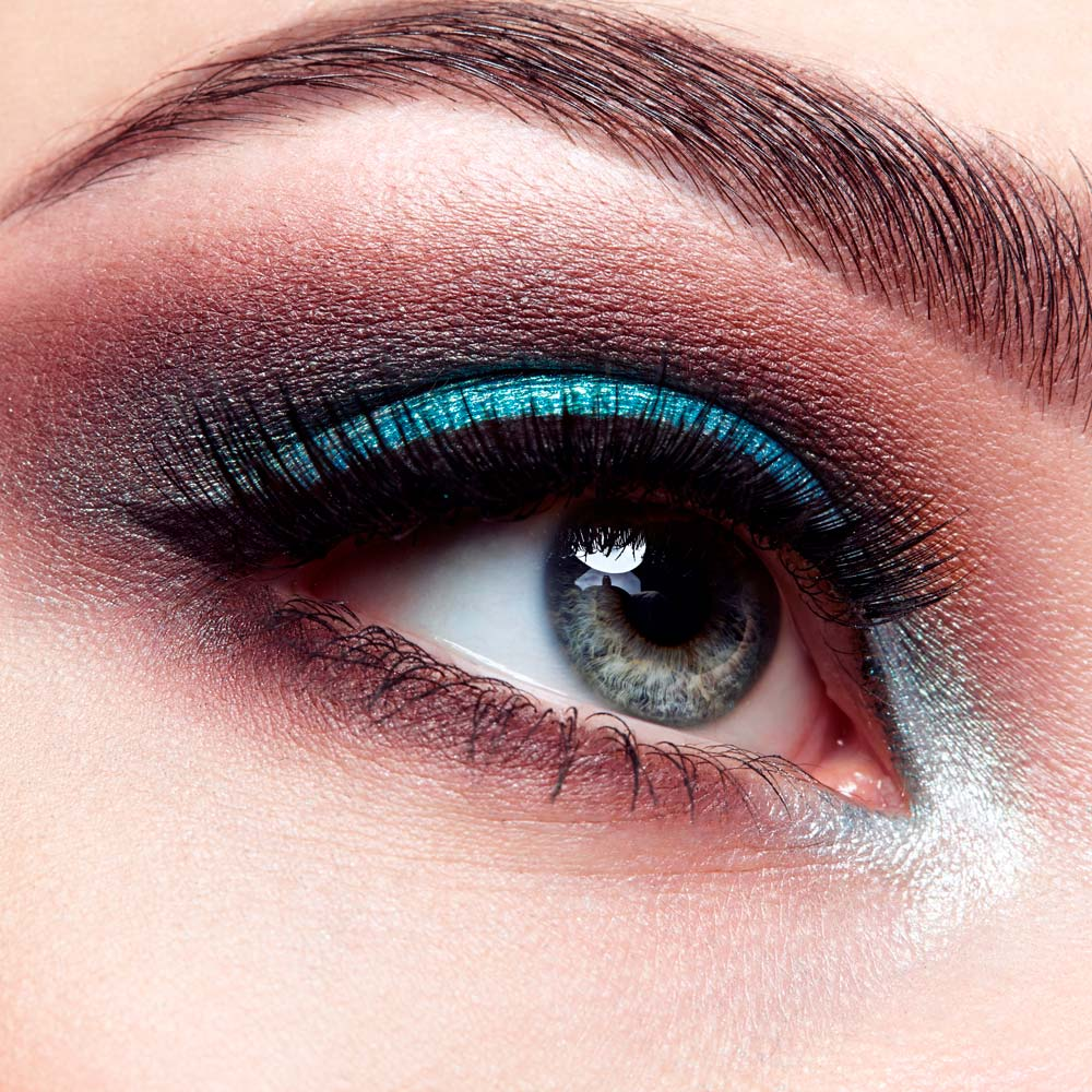 Makeup Looks for Downturned and Upturned Eye Shapes