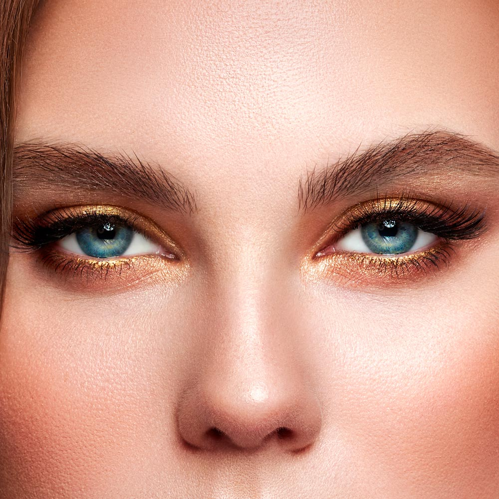 Downturned and Upturned Eye Shapes Makeup