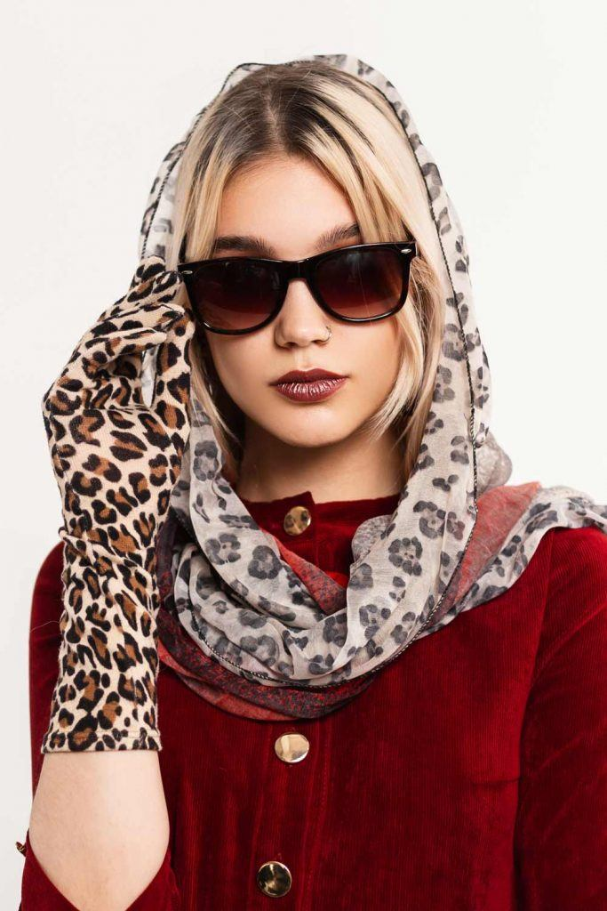 Scarf and Gloves with Leopard Print