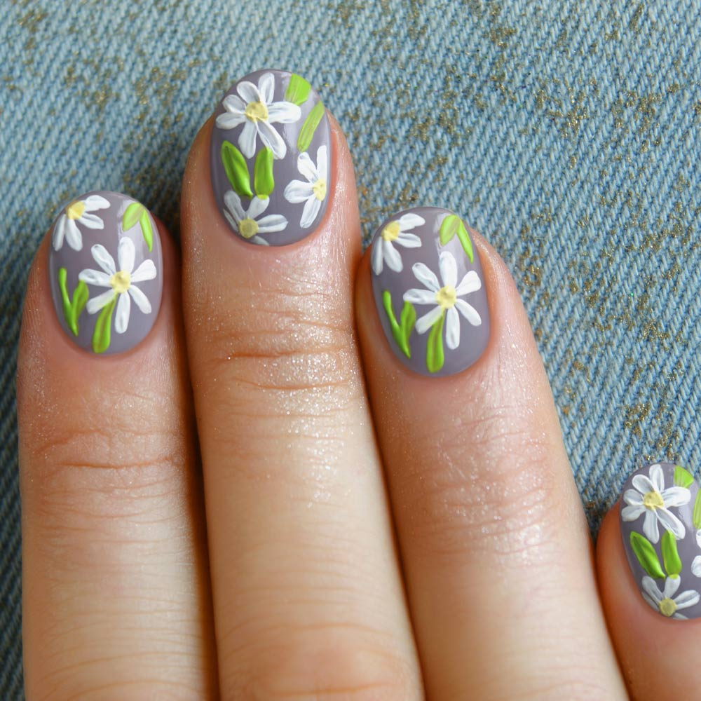 Floral Spring Nails with Daisies