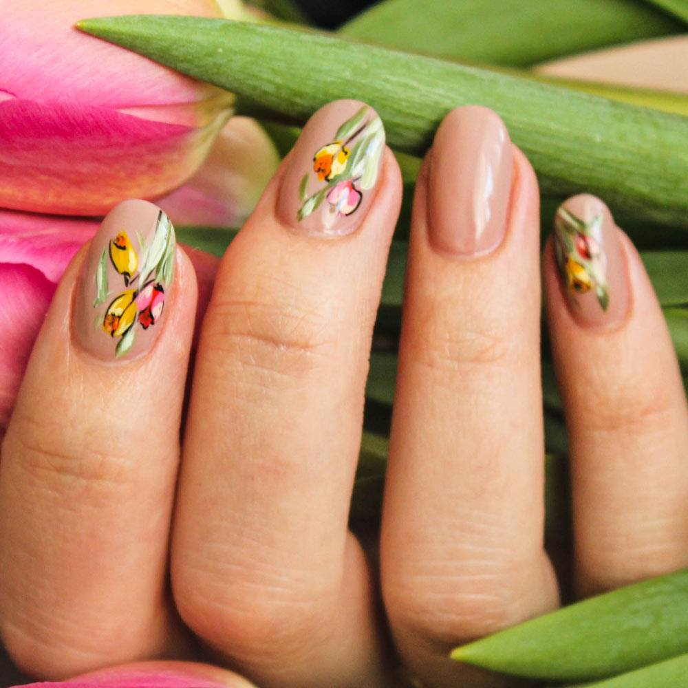 Cute Spring Floral Nails