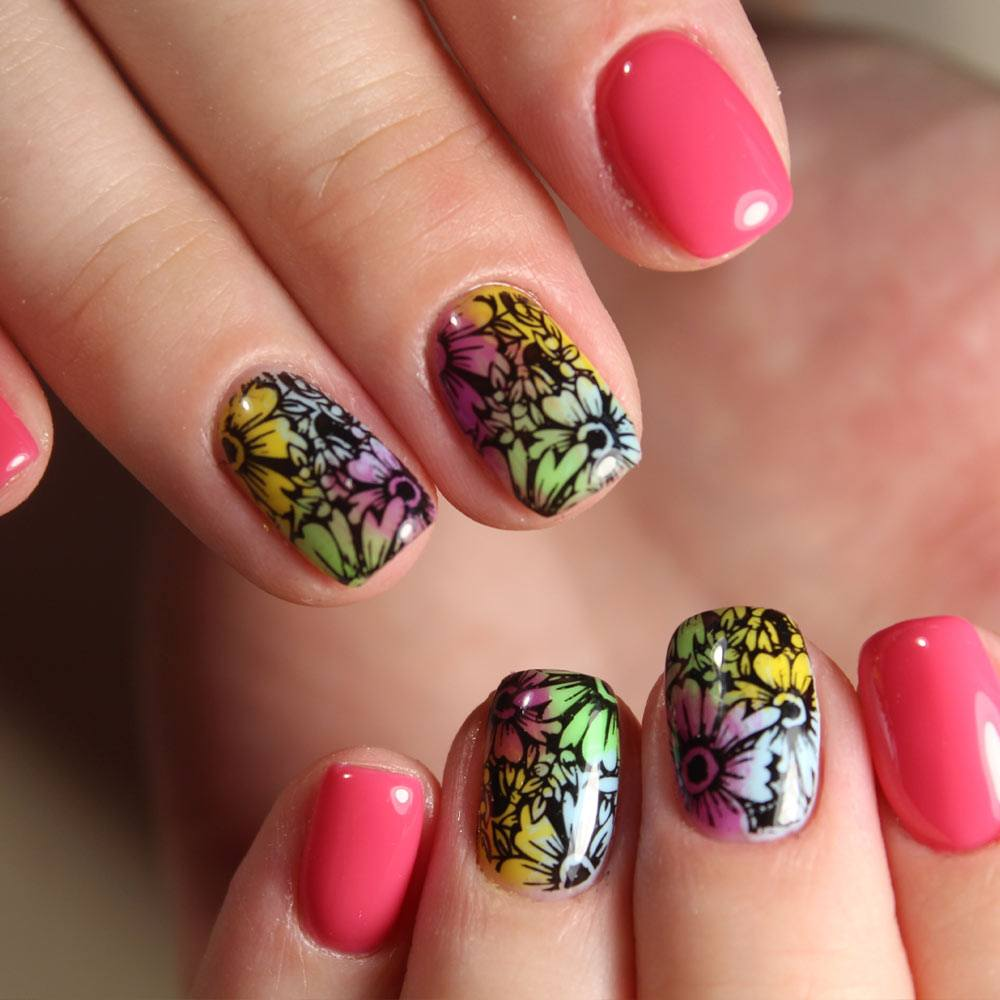 Floral Patterned Nails
