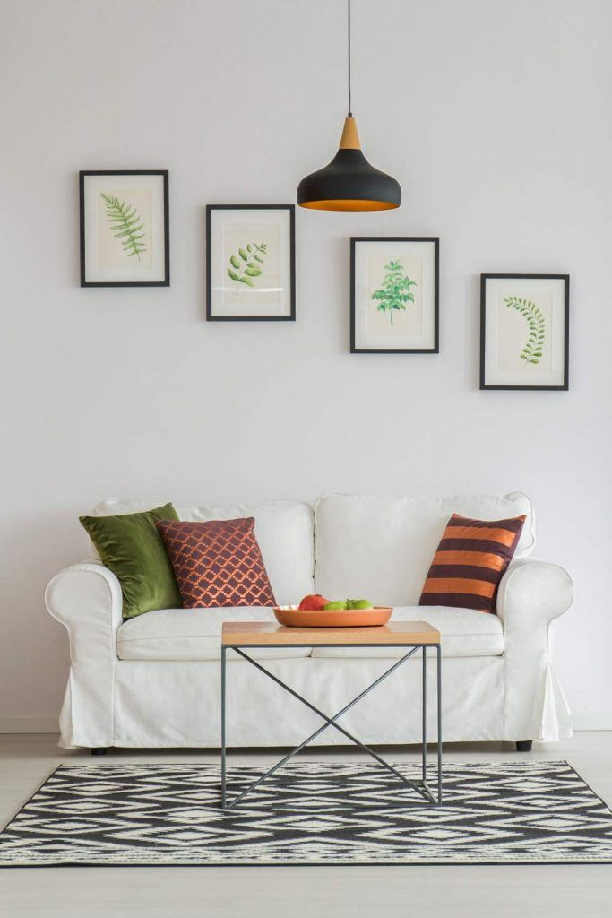 Beautiful Way to Decorate Your Wall with Pictures