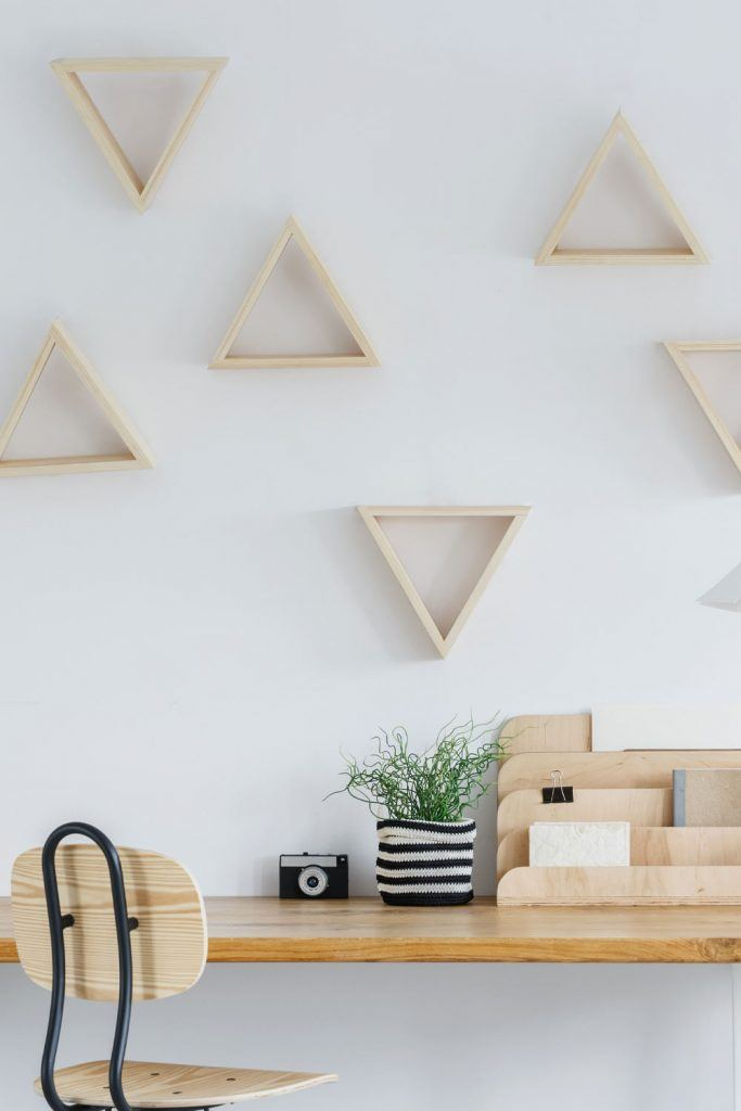 Triangle Rustic Shelves Decor