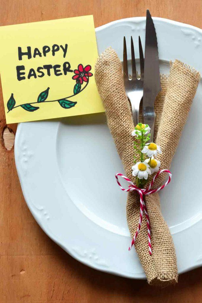 Easter Napkin with Daisy