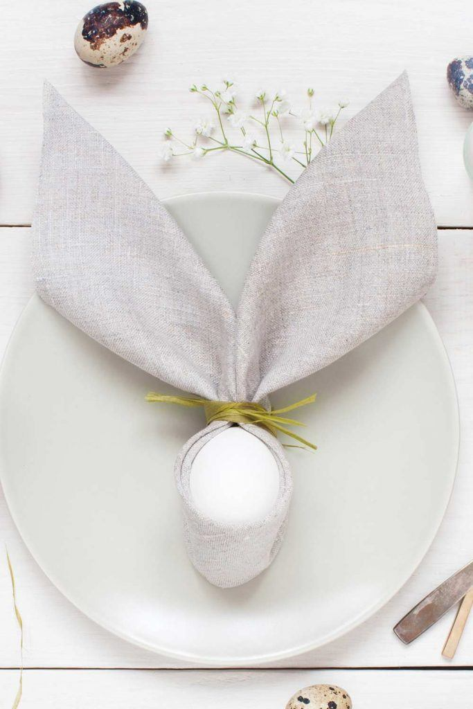 Easter Napkin with Egg