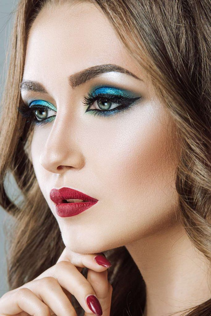 Bold Blue Eyes Makeup for Prom