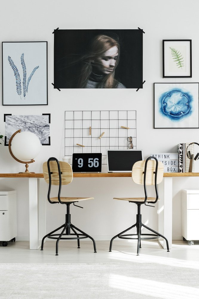 Home Office Decoration with Wall Pictures