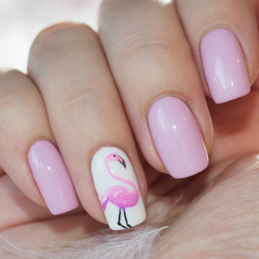 Cute Summer Nails with Flamingo