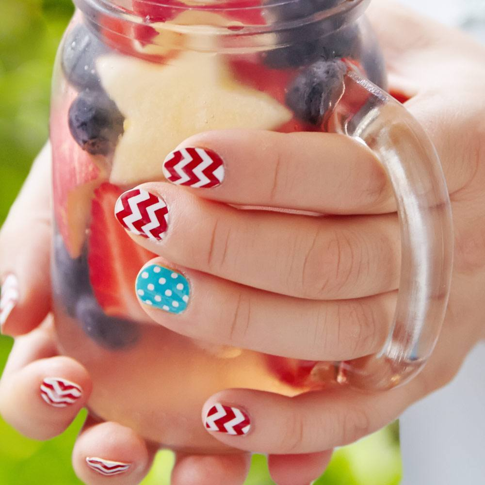 Nails Design with Chevron Pattern
