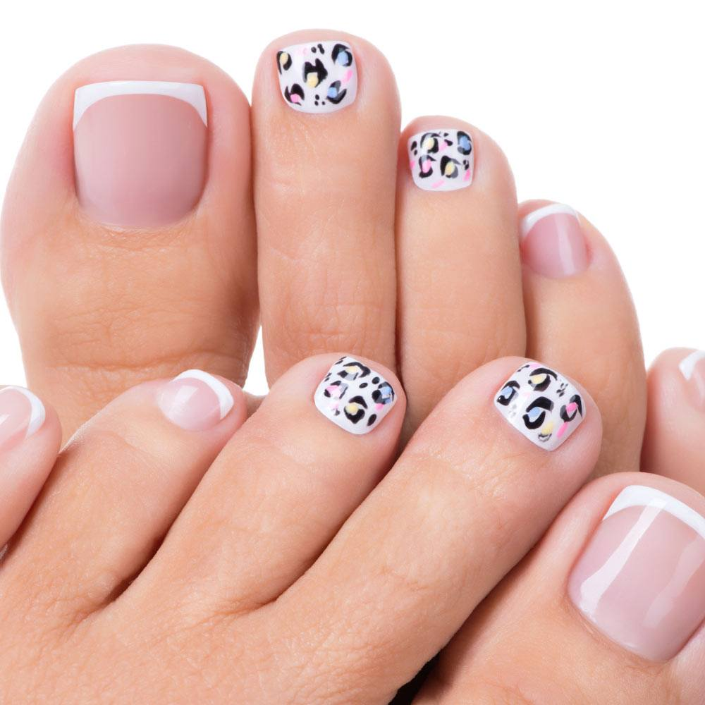 Toe Nails Design with Animal Pattern