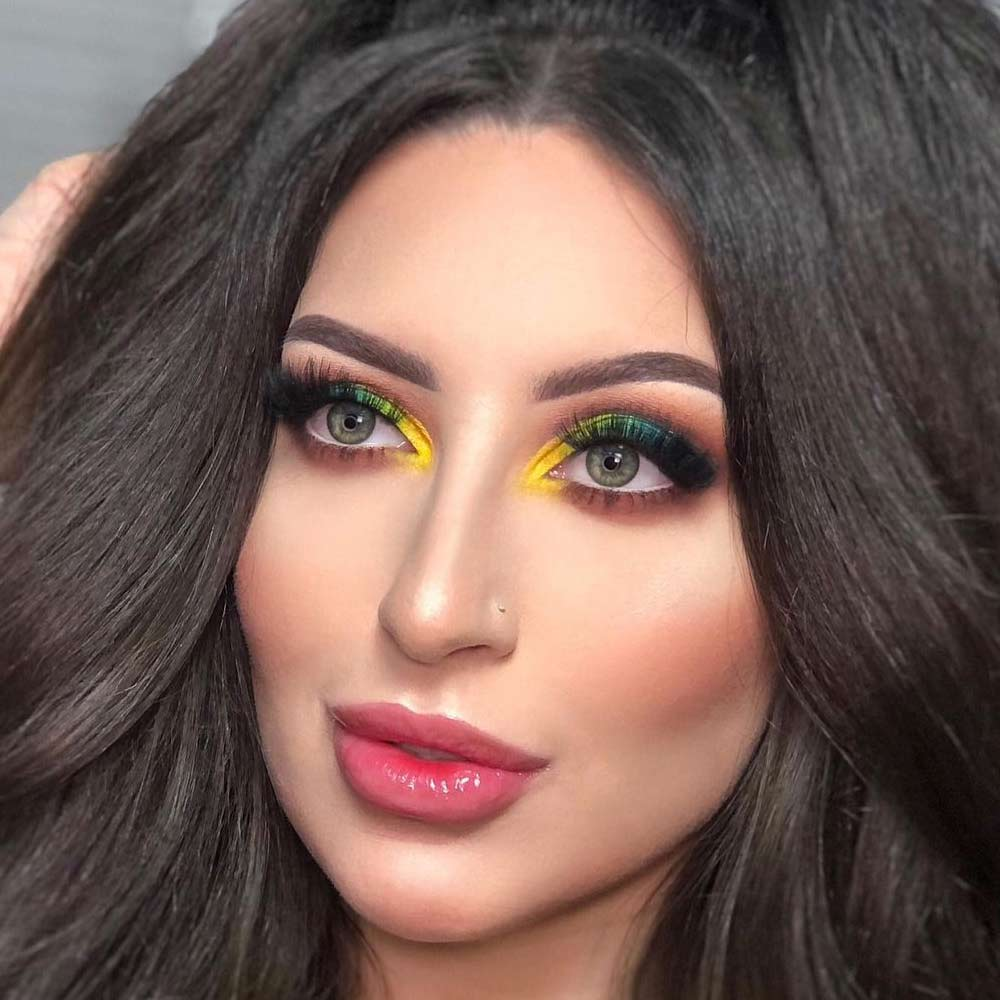 Juicy Makeup with Colorful Eyeshadows