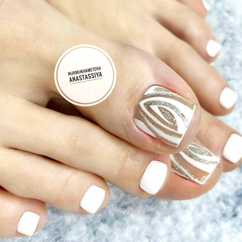 White Toe Nails with Glitter