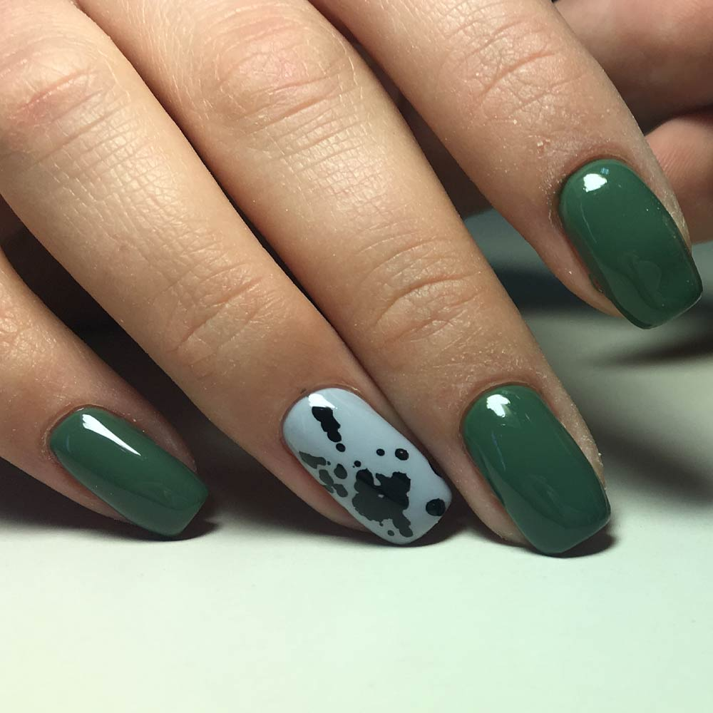 Dark Green Accent Nail Design